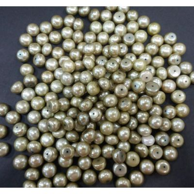 Button Shaped Fresh Water Pearl Half drilled 105/107_41.1